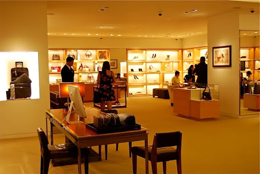 0300b2838391 Louis Vuitton (Philippines) Greenbelt 4 has moved to….